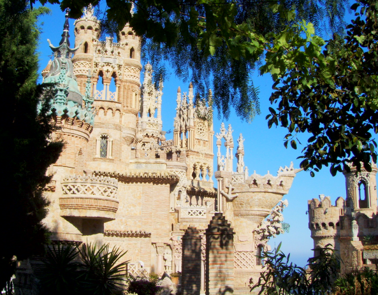 23 Castillo_de_Colomares 1