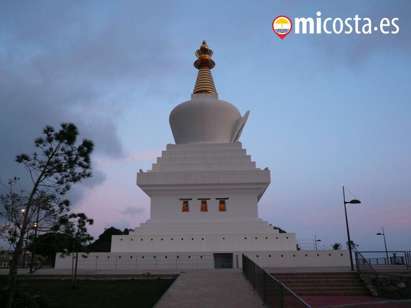 35 Estupa Buddista Benalmadena