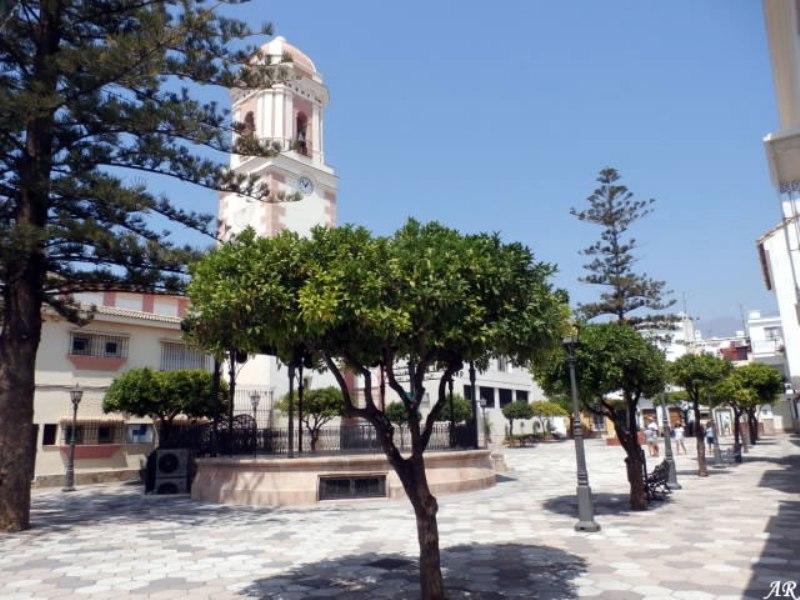 006 estepona-plaza-del-reloj